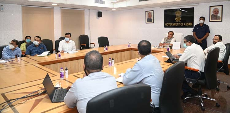 Assam CM reviews Covid19 situation in 9 districts, directs DCs to strictly enforce containment measures 1