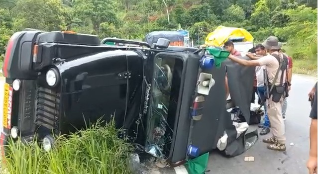 Assam minister Atul Bora's convoy meets with accident in Meghalaya, 2 cops hurt 1