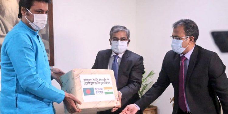 300 kgs of mangoes gifted to Tripura CM Biplab Deb by Bangladesh PM Sheikh Hasina 1