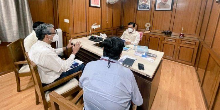 Sarbananda Sonowal meets senior shipping ministry officials 1