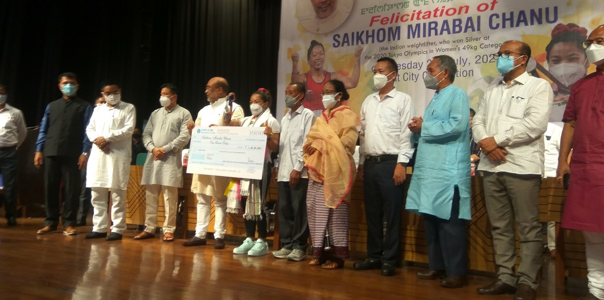 Tokyo Olympics medallist Manipur's Mirabai Chanu returns home, accorded hero's welcome 7