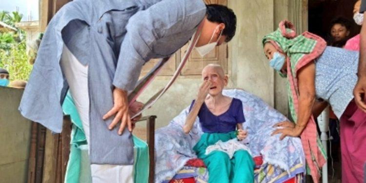 Tripura: 105-year-old woman vaccinated, CM Biplab Deb greets 1
