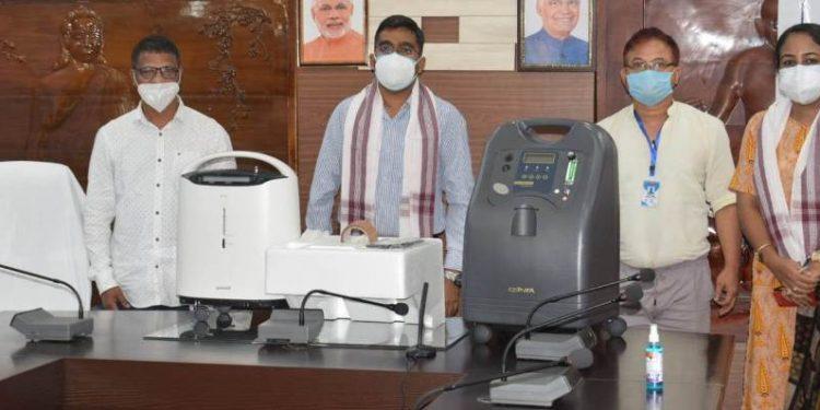 Assam: NGO provides 27 oxygen concentrators to Lakhimpur 1