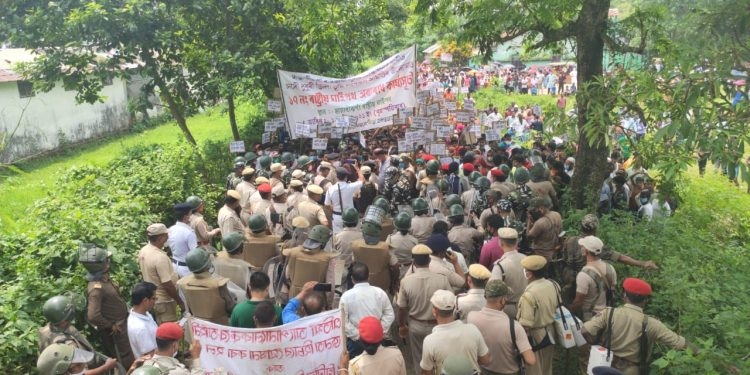 Assam: Police resort to lathi-charge to disperse protesters in Dhubri 1