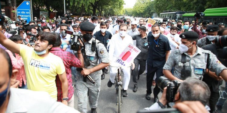 Opposition goes on offensive: Holds cycle rally over price rise, 'unites' at breakfast meet 1