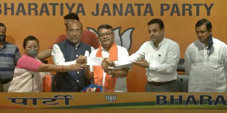 Former Manipur Congress chief Govindas Konthoujam joins BJP 1