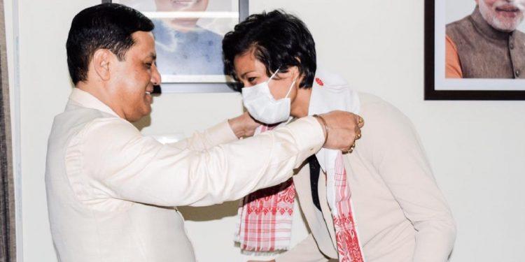 Union minister Sarbananda Sonowal hosts dinner for Assam's pride Lovlina Borgohain 1