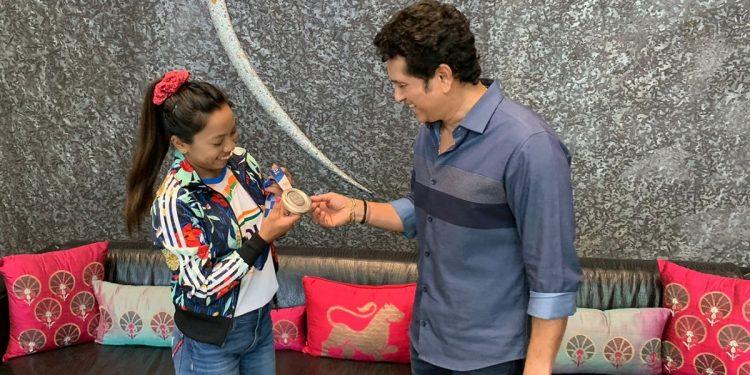 Olympic medallist from Manipur Mirabai Chanu meets cricket legend Sachin Tendulkar 1