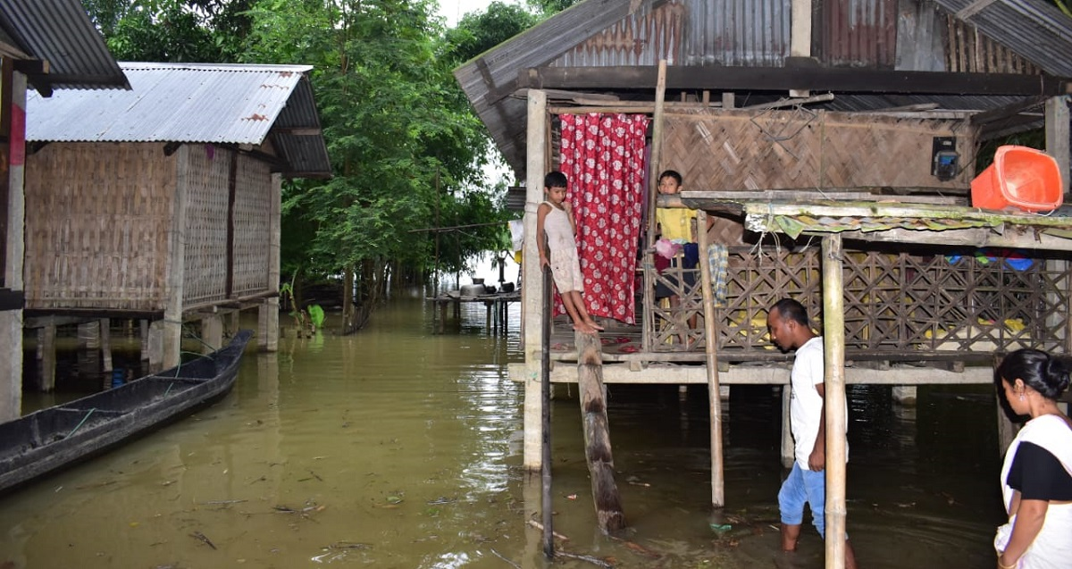 Flood situation in Assam grim, over 2.25 lakh people in 15 districts affected 5