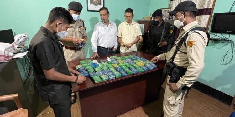 Assam: Heroin worth over Rs 4 crore seized on outskirts of Guwahati, two held 1