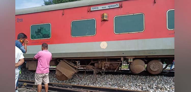 NF Railway train derails