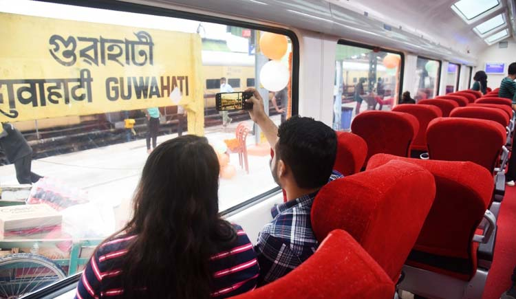 Vista dome tourist special train service between Guwahati-New Haflong flagged off 4