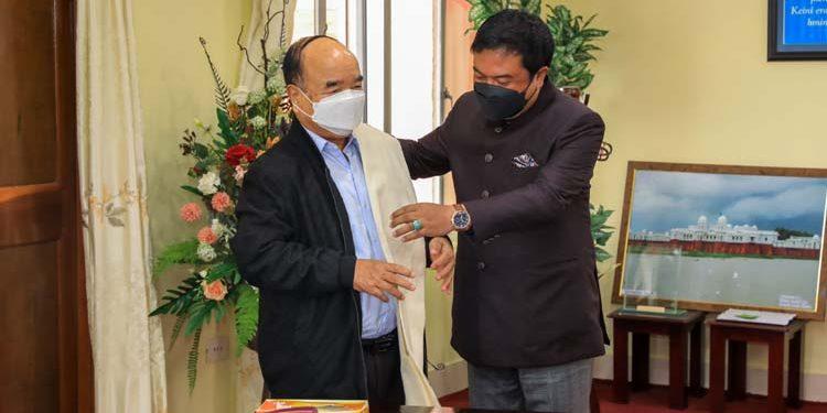 Meghalaya state planning board chairman and MLA Lambor Malngiang meets Mizoram chief minister Zoramthanga on Wednesday.