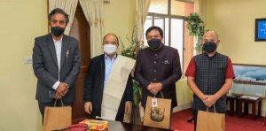 Meghalaya state planning board chairman Lambor Malngiang meets Mizoram CM Zoramthanga 4