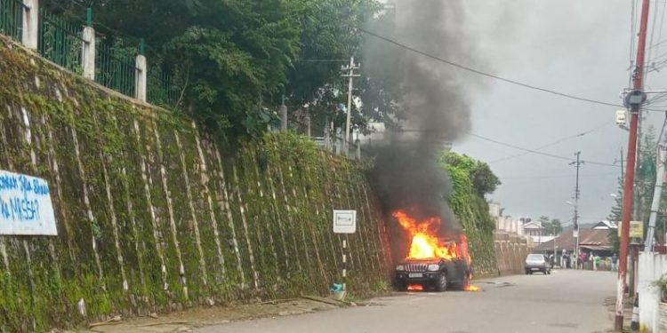 Meghalaya: Curfew imposed in Shillong, mobile interment service snapped after violent protests over ex-HNLC leader's killing 1