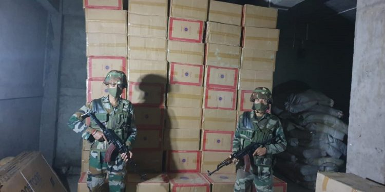 Mizoram: Foreign cigarettes worth Rs 3.38 crores recovered by Assam Rifles troopers 1