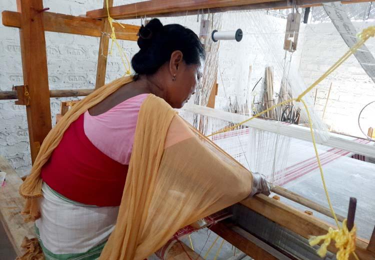 Weaving training centre