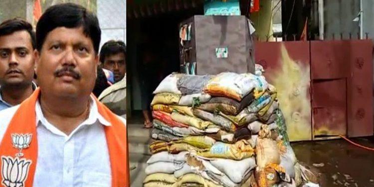 Three bombs hurled at BJP MP Arjun Singh's residence near Kolkata 1