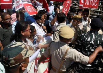 Bharat Bandh evokes mixed response in Northeast 4