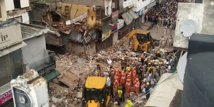 Four-storied building collapses in Delhi, many feared trapped 1