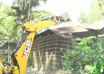 Assam: Darrang district administration carries out eviction drive at Dholpur, frees 4,500 bighas of land 5