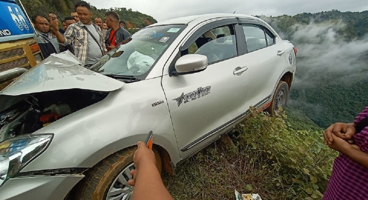 Hanging by a thread: Accident along Pynursla-Shillong road in Meghalaya, dumper rams into car 6
