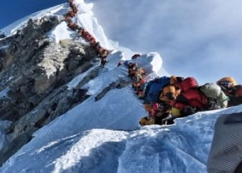160 climbers get permits to summit 2 Himalayan Mountains inside Nepal 8