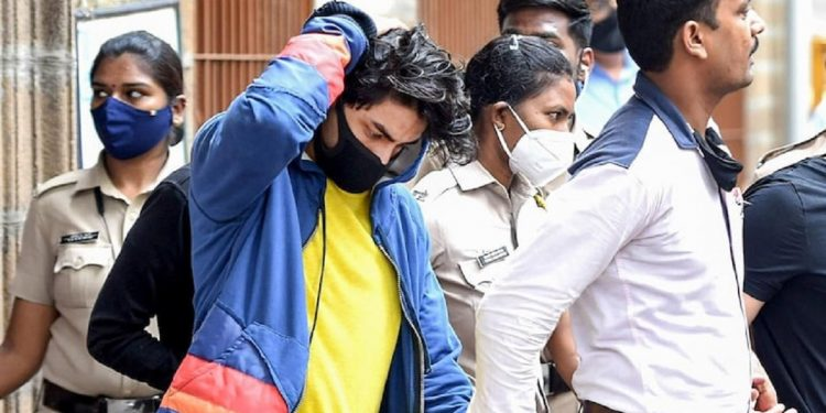 Shahrukh Khan's son Aryan Khan to stay in jail for another week 1